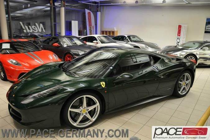 Ferrari 458 Italia in der Sonderfarbe Verde Abetone