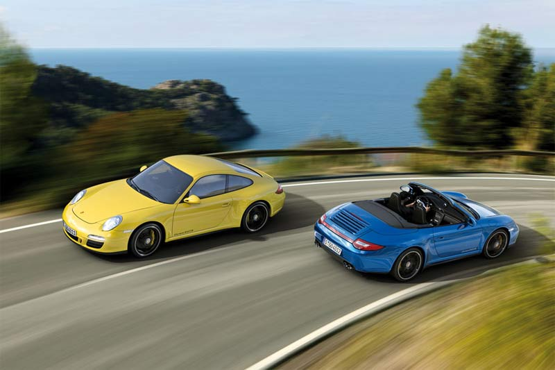 Porsche 911 Carrera 4 GTS Coupé und Cabrio width=