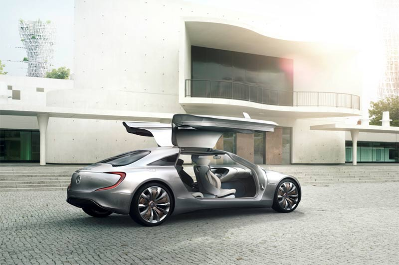 Mercedes-Benz F 125! - Ausblick auf die Vision vom emissionsfreien Fahren im Luxus-Segment