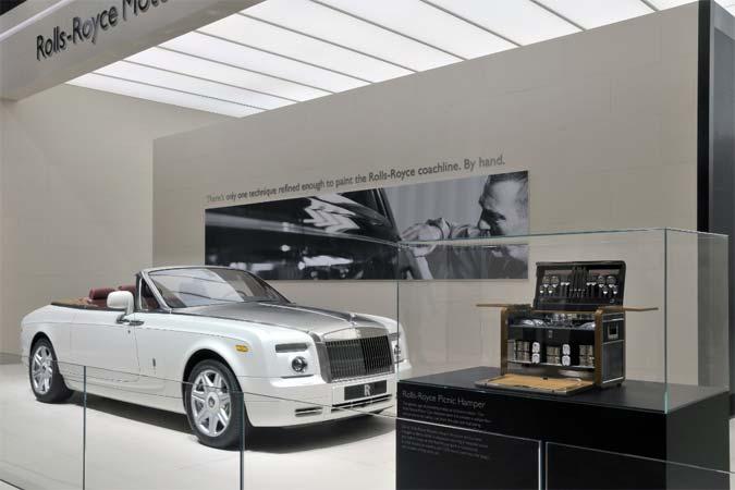 Rolls-Royce eröffnet neuen Showroom in Paris