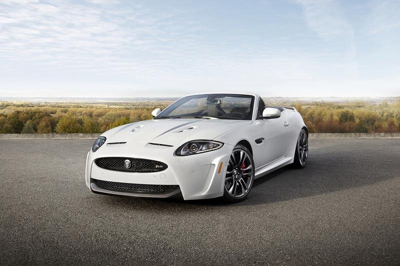 Jaguar enthüllt das Jaguar XKR-S Cabriolet in Los Angeles