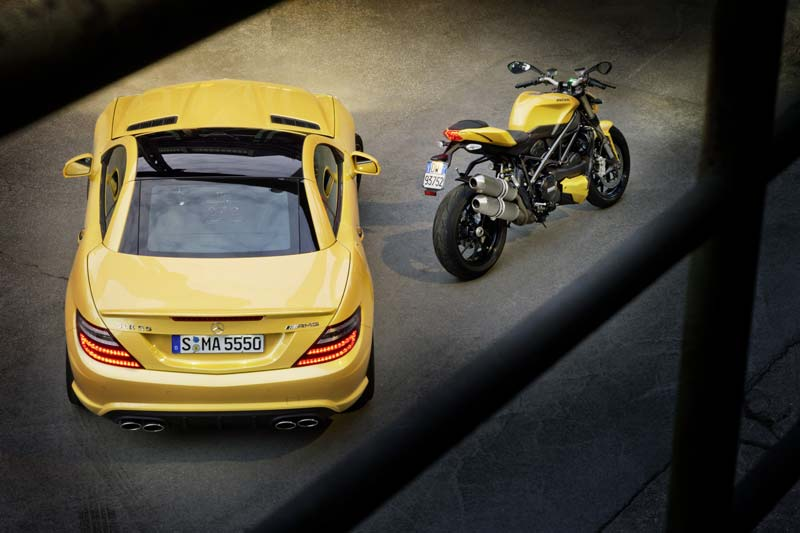Streetfighter yellow - Ducati 848 und Mercedes SLK 55 AMG