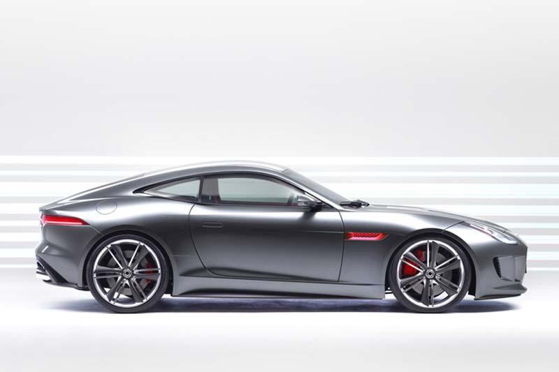 Jaguar mit Hybridantrieb