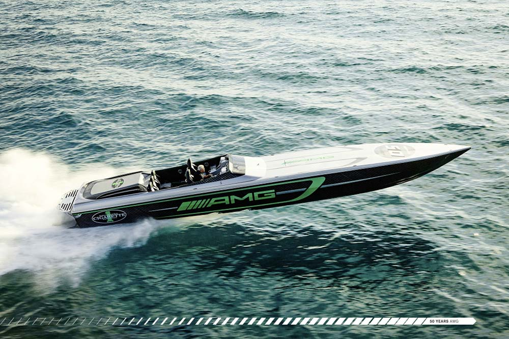 Marauder AMG Cigarette Racing Speedboat