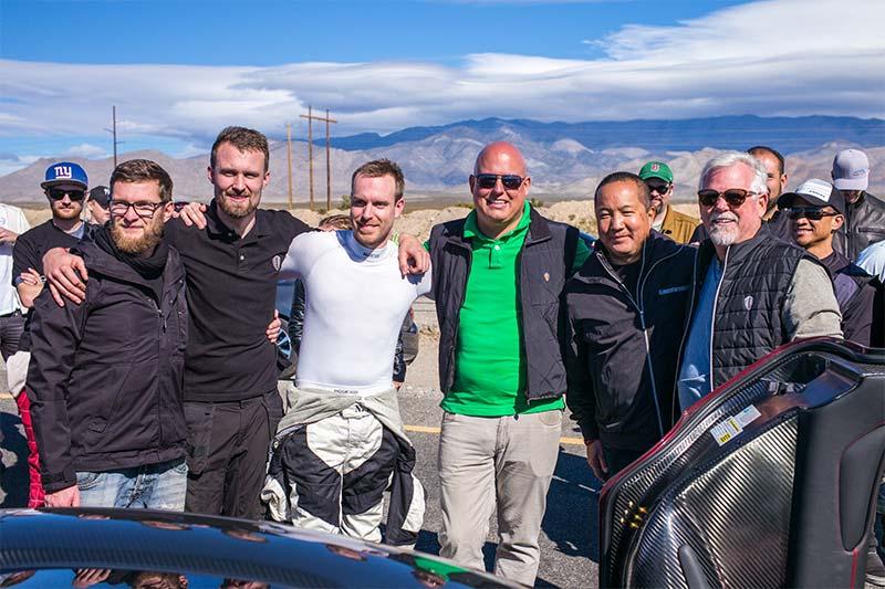 Das Team der Koenigsegg Agera RS Weltrekordfahrt