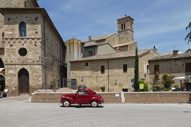 Mit dem Oldtimer durch die italienische Provinz