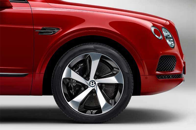 Bentley Bentayga V8 mit Carbonbremsanlage