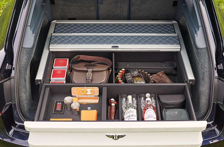 Jagen mit dem Luxus-SUV Bentley Bentayga