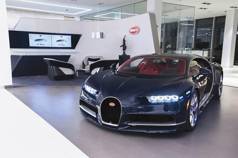 Der Bugatti Chiron im neuen Markenshowroom in Toronto