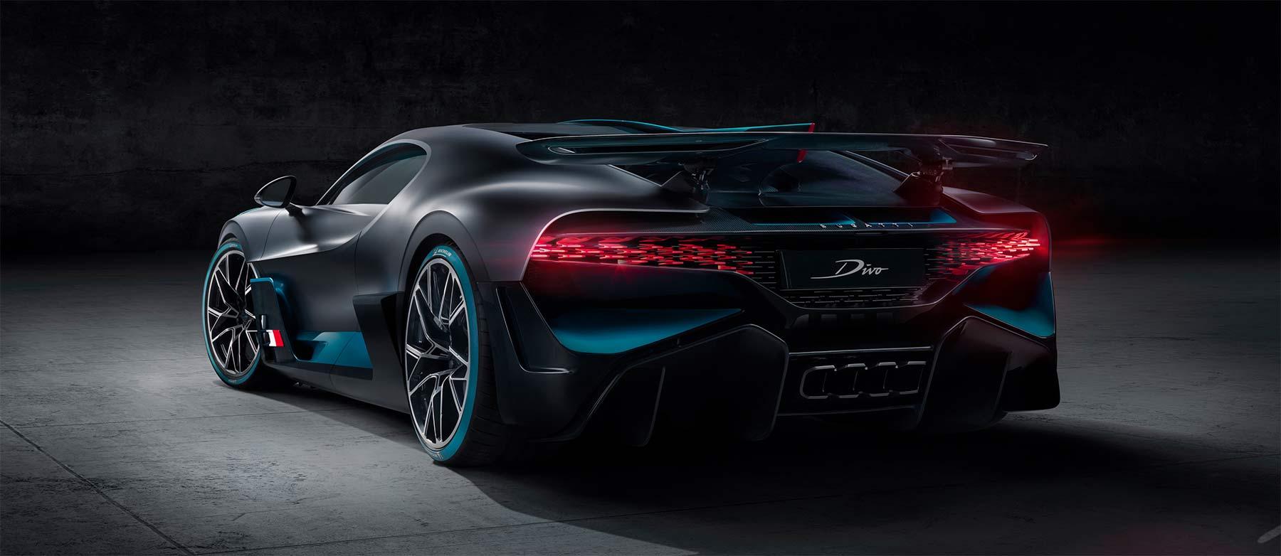 Bugatti Divo von hinten