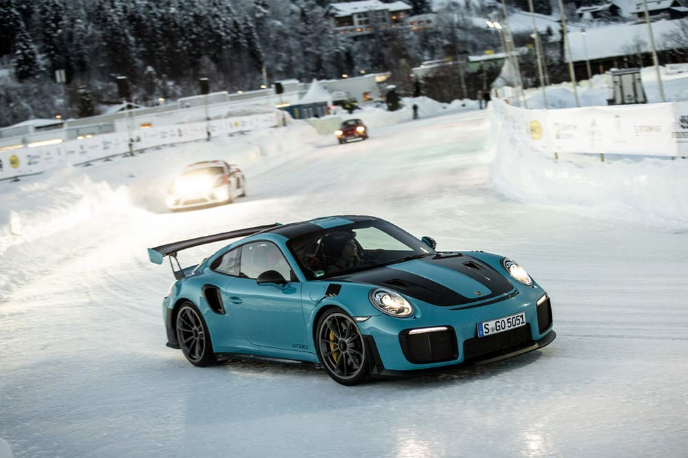 Porsche 911 GT2 RS beim GP Ice Race in Zell am See