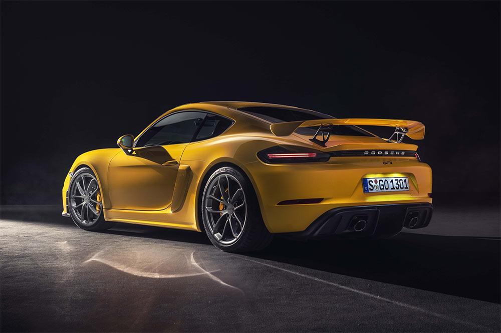 ] Porsche 718 Cayman GT4