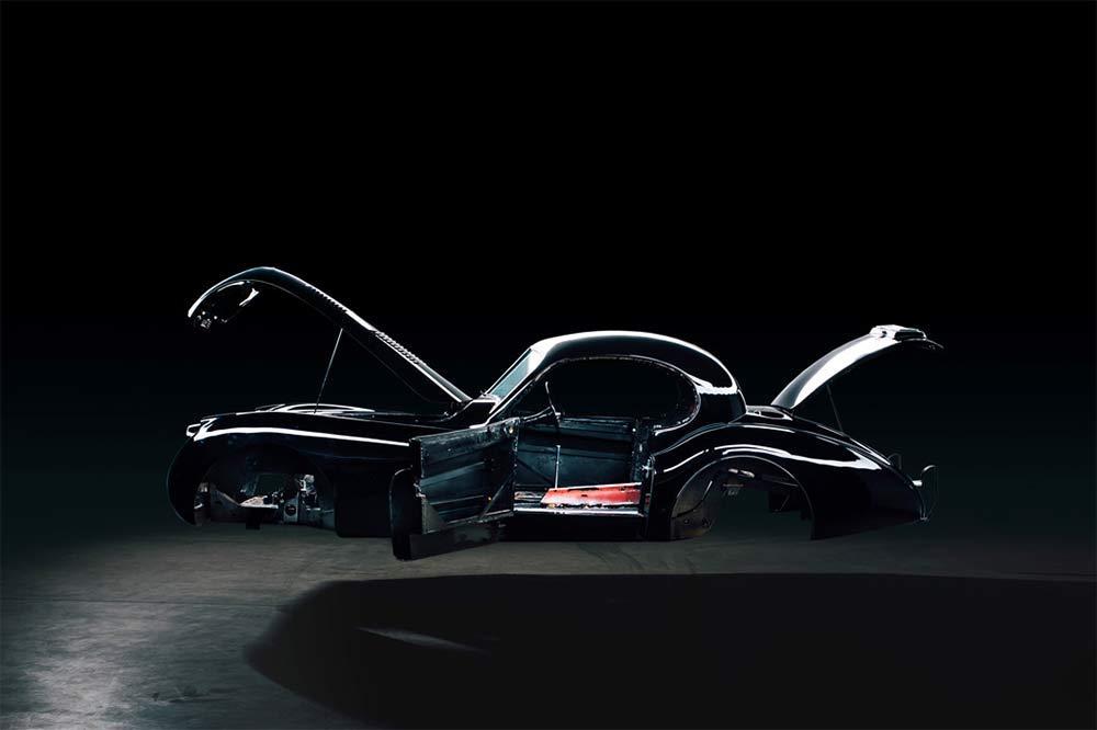 Jaguar XK120 wird für den Elektroantrieb vorbereitet