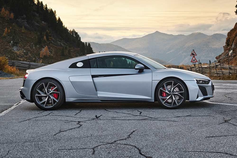Das neue Audi R8 V10 RWD Coupé von der Seite