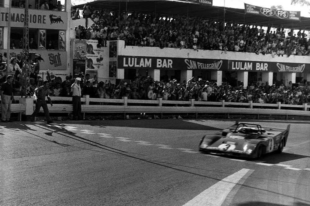 Ferrari-Rennwagen in Le Mans