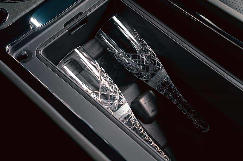 Von Mulliner maßgeschneiderte und von Hand gefertigte Cumbria-Kristallflöten