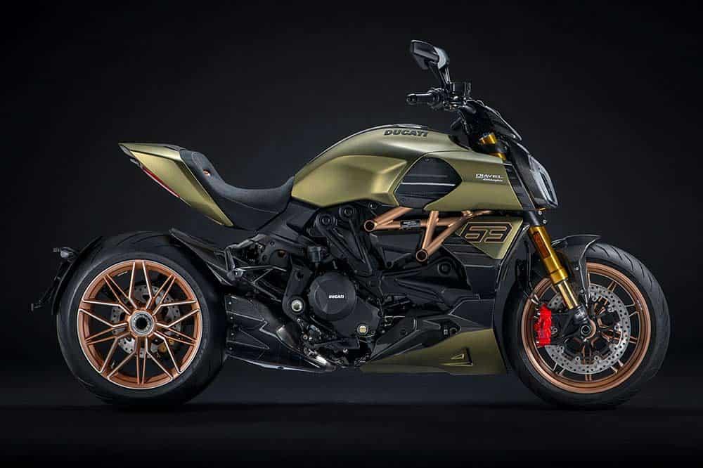 Als Inspirationsquelle für die Ducati stand der Lamborghini Sián FKP 37 Pate