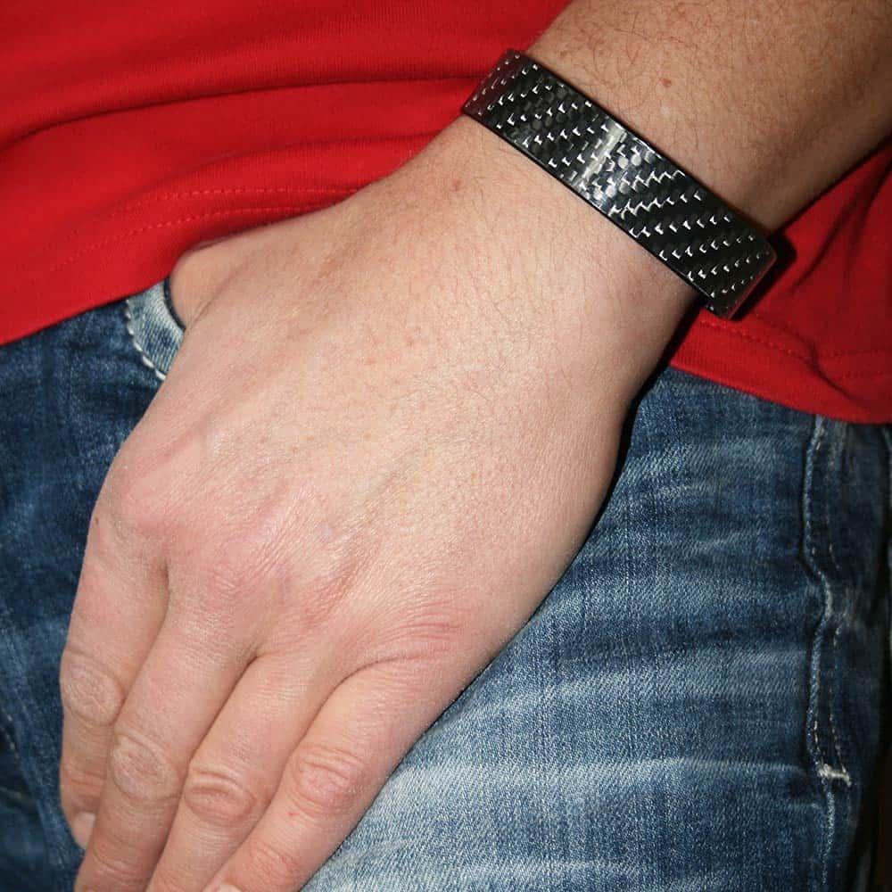 Edles und stylishes Carbonarmband - Geschenkidee nicht nur für Männer