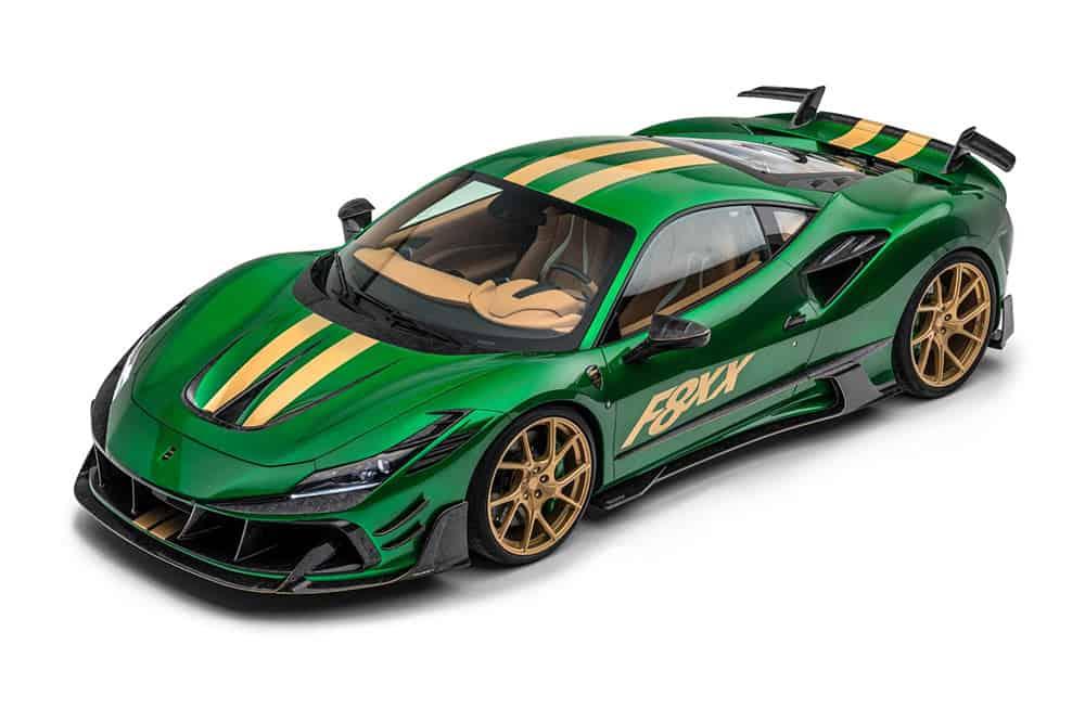 Edles Supercar in Gold und Grün und dazu viel Aerodynamik-Anbauteile